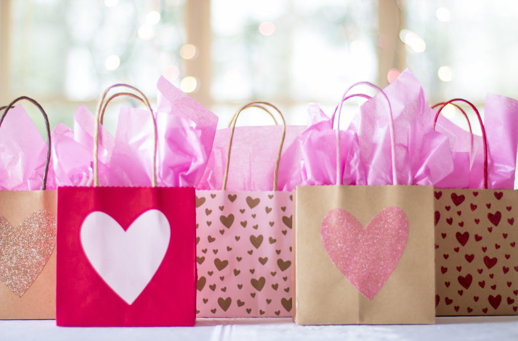 5 Must-Haves in Wedding Guests Goodie Bags